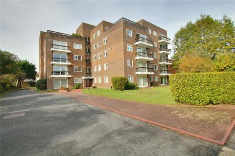 2 bedroom apartment - Balmoral Court, Grand Avenue, West Worthing, West Sussex, BN11