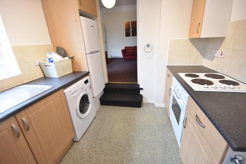 2 bedroom flat to rent - Rothbury Terrace, Heaton