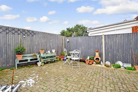 2 bedroom semi-detached bungalow for sale - Hever Avenue, West Kingsdown, Sevenoaks, Kent