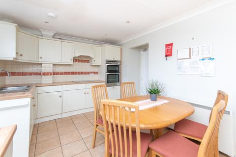 3 bedroom terraced house to rent - Queens Drive, Bath, BA2
