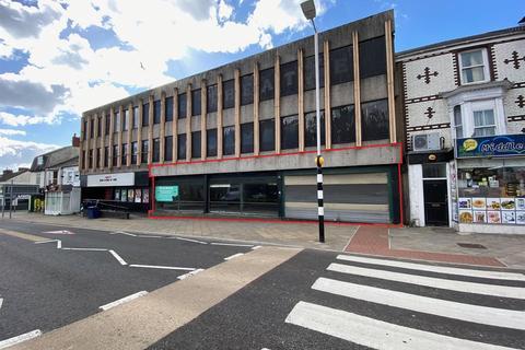 Retail property (high street) to rent - Dillwyn Street, Swansea