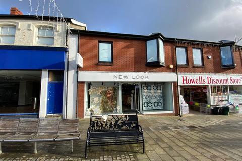 Retail property (high street) to rent - Quay Street, Ammanford
