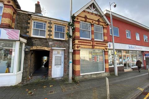 Retail property (high street) to rent - College Street, Ammanford