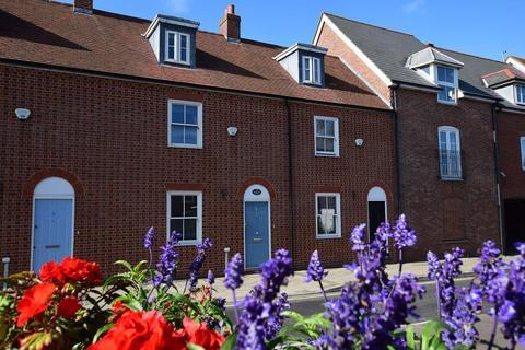 3 bedroom terraced house - Lymington, Hampshire, SO41