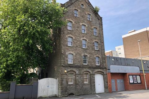 Warehouse to rent - Strand, Swansea