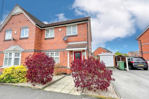3 bedroom semi-detached house to rent - Makerfield Drive, Newton Le Willows