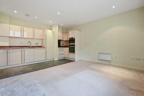 2 bedroom apartment to rent - Bromyard Avenue, Acton, W3 7BS