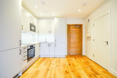 1 bedroom apartment - High Street, Feltham, TW13