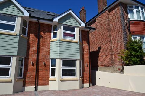 3 bedroom semi-detached house for sale - Winton
