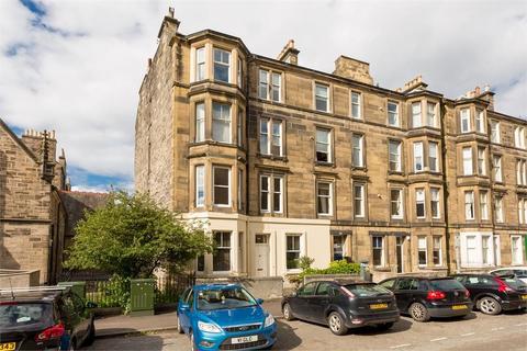 2 bedroom flat - Montgomery Street, Hillside, Edinburgh, EH7 5EP