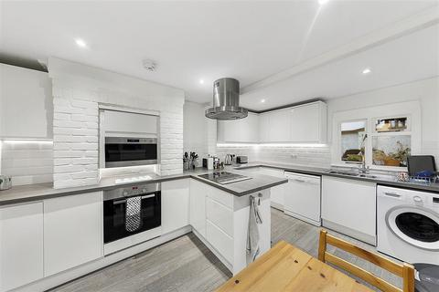 4 bedroom terraced house to rent - Patience Road, SW11