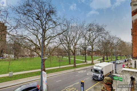 Studio to rent - Uxbridge Road, London, W12 8LR