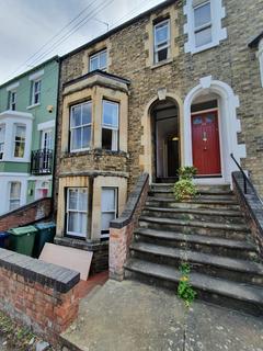 5 bedroom flat to rent - Western Road