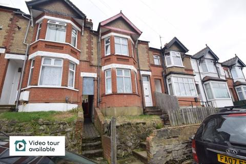 House share to rent - Russell Rise, Luton