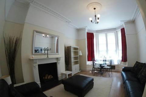 3 bedroom apartment to rent - Lansdowne Court, Taplow