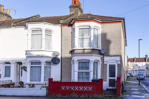 3 bedroom terraced house - Bury Street, Edmonton, N9