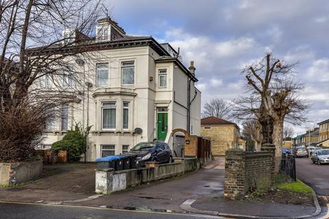 2 bedroom flat for sale - Ordnance Road, Enfield