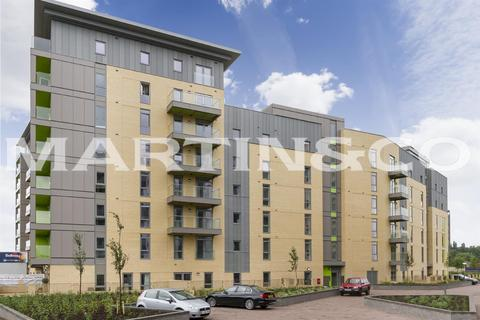 1 bedroom apartment - Falcondale Court, Lakeside Drive