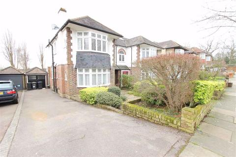 3 bedroom semi-detached house to rent - Prince George Avenue, Southgate, London