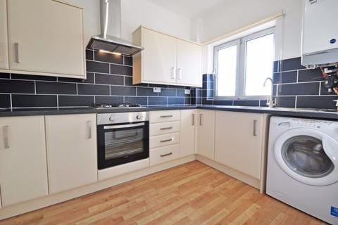 2 bedroom apartment to rent - Cliveden View, Shifford Crescent