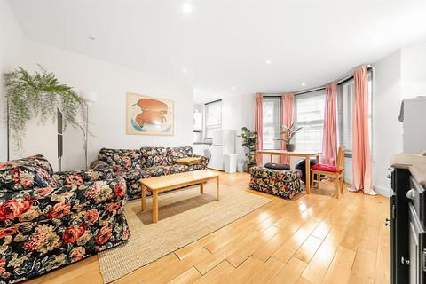 2 bedroom flat - Bonham Road, SW2