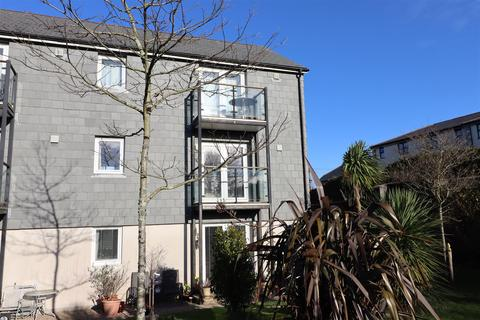 2 bedroom flat to rent - Whym Kibbal Court, Redruth
