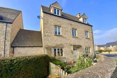 5 bedroom detached house for sale - Blackberry Walk, Cirencester