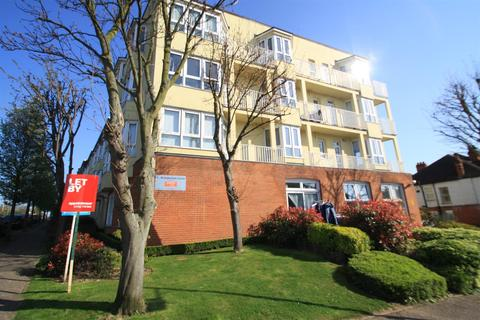 2 bedroom flat to rent - Station Road, Westcliff On Sea