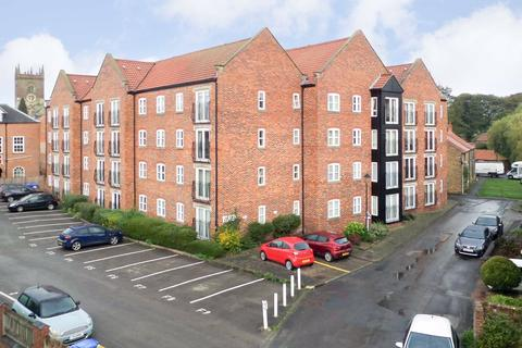 2 bedroom flat for sale - All Saints Court, Market Weighton