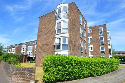 2 bedroom flat to rent - Station Road, Hampton