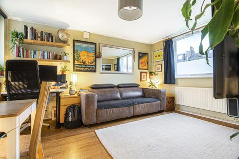 1 bedroom flat for sale - Gowrie Road, Battersea
