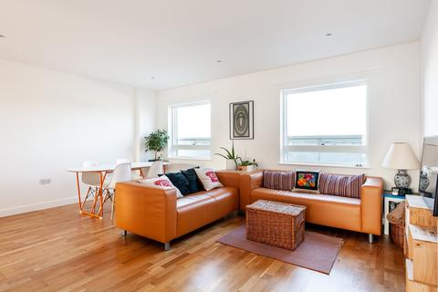 3 bedroom flat for sale - Newberry Mews, Clapham North, SW4