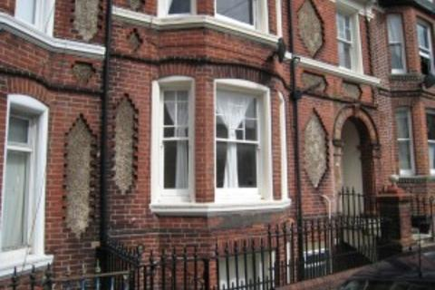 2 bedroom flat - Hartington Road, Brighton BN2