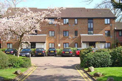 1 bedroom flat - Braybourne Drive, Isleworth, TW7