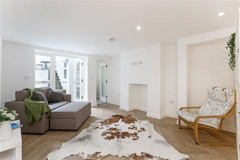Studio to rent - Portobello Road, London, W11