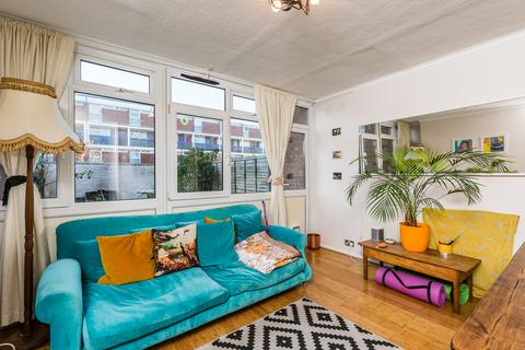 2 bedroom ground floor maisonette for sale - Latona Road, Peckham SE15