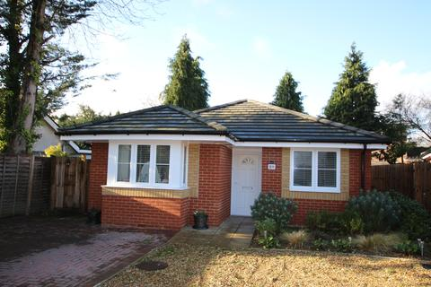 2 bedroom detached bungalow for sale - Denmead