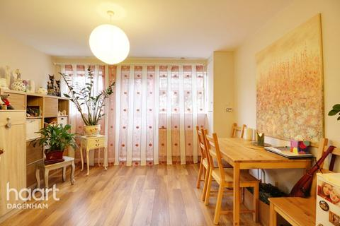 1 bedroom maisonette - Ballards Road, Dagenham