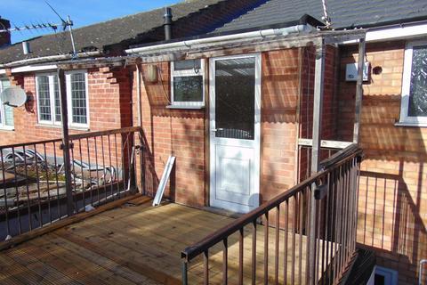 Studio to rent - Golden Cross Lane, Catshill