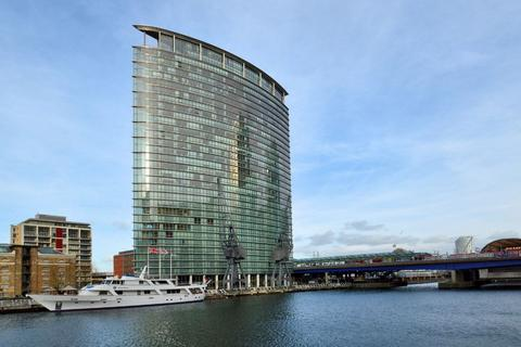 2 bedroom apartment to rent - No. 1 West India Quay, Hertsmere Road, Canary Wharf E14