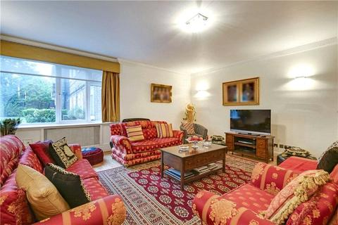 3 bedroom flat for sale - Avenue Close, Avenue Road, London, NW8