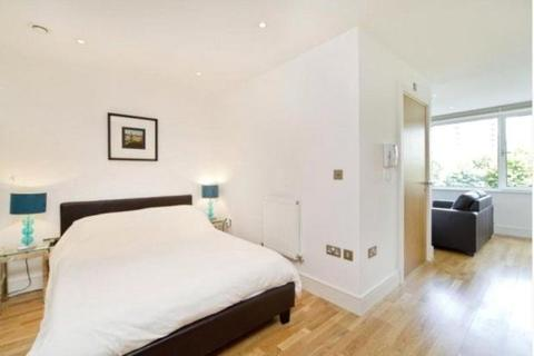Studio to rent - Indescon Square, London