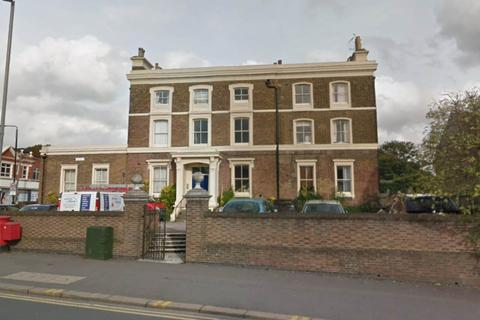 2 bedroom flat to rent - Cleveland House, Walthamstow, London