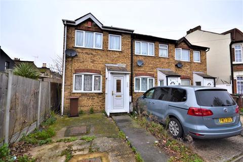 1 bedroom terraced house for sale - One Bedroom Freehold House Capworth Street, Leyton London E10 7HE