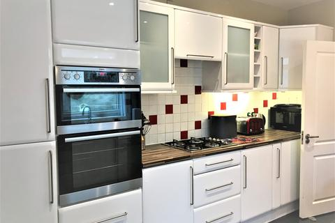 4 bedroom house to rent - Penbryn Terrace, Brynmill, Swansea