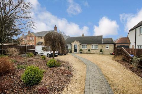 4 bedroom detached bungalow for sale - Kidlington Road ISLIP