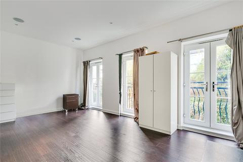 4 bedroom terraced house to rent - Wendle Square, London, SW11