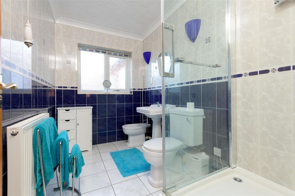 4 pc shower room