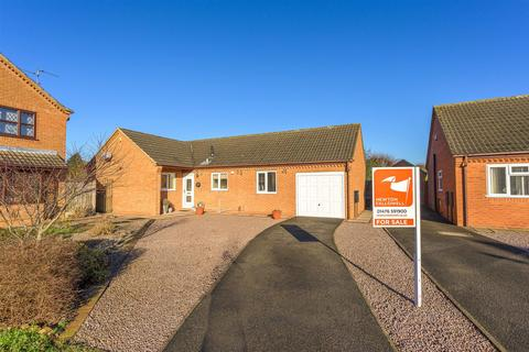 4 bedroom detached bungalow for sale - An Extended 4 bed Bungalow on Birmingham Close, Grantham