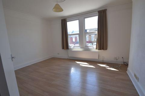 2 bedroom flat - LINCOLN ROAD, ENFIELD